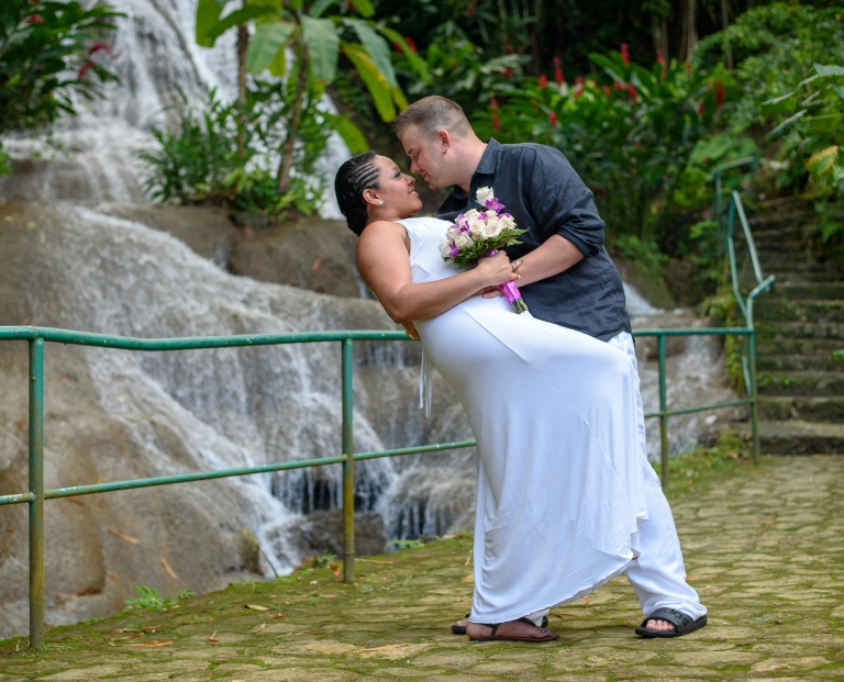 Featured Real  Weddings